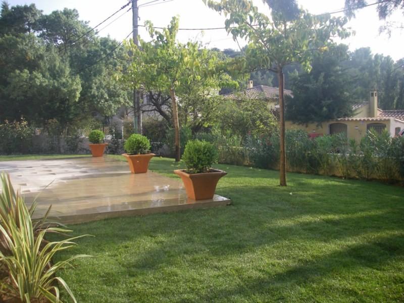 Jardinier et contrat d 39 entretien pour les espaces verts for Entretien jardin particulier 95