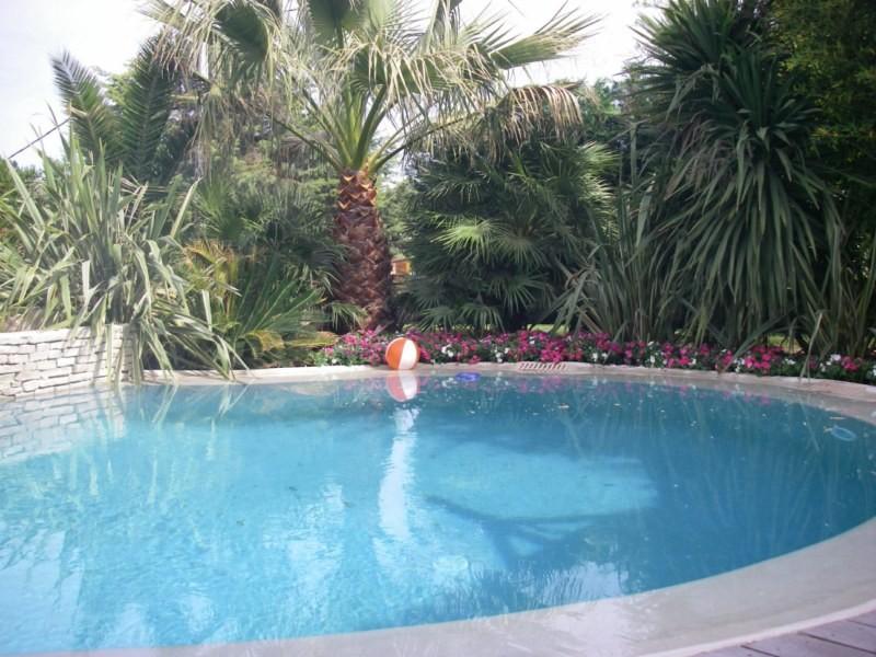 fleurissement d 39 un jardin sur bouc bel air paysagiste aix en provence jeanselme paysage. Black Bedroom Furniture Sets. Home Design Ideas