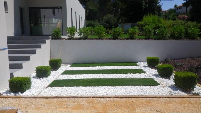 cr ation d 39 un jardin design sur bouc bel air paysagiste aix en provence jeanselme paysage. Black Bedroom Furniture Sets. Home Design Ideas
